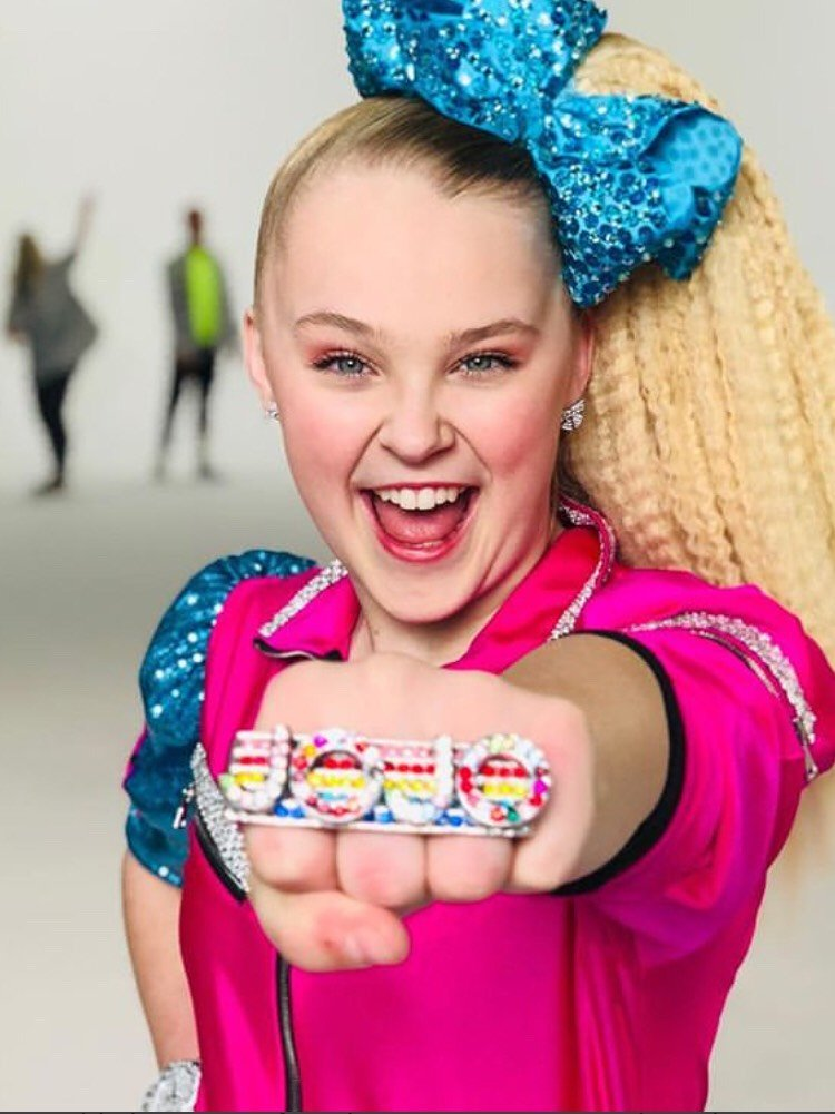 Jojo Siwa Age Height Net Worth Bio Parents 2021 World Celebs Com